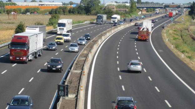 autostrada, bergamo, brescia, guida contromano, incidente, Sicilia, Cronaca
