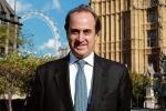 Inghilterra, invia foto osè su social: si dimette il sottosegretario Brooks Newsmark
