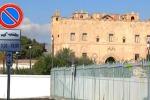 Palermo, divieto di sosta al castello della Zisa: è protesta