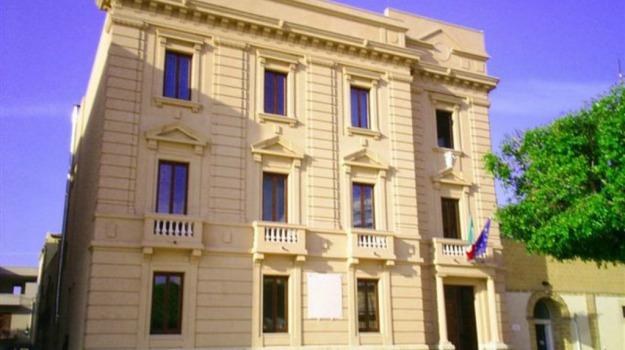 Menfi erosione costiera, Agrigento, Economia