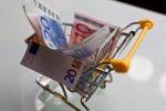 L'Italia torna in deflazione: calo dei prezzi ai minimi storici