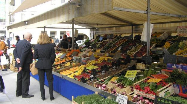 Mercato, pian del lago, Caltanissetta, Cronaca