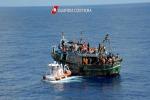 Sbarcati a Porto Empedocle altri 290 migranti