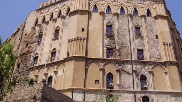archiviazione politici, spese pazze ars, Palermo, Cronaca