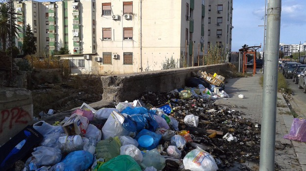 degrado, rifiuti, segnalazione, sporcizia, Sicilia, Palermo, Cronaca