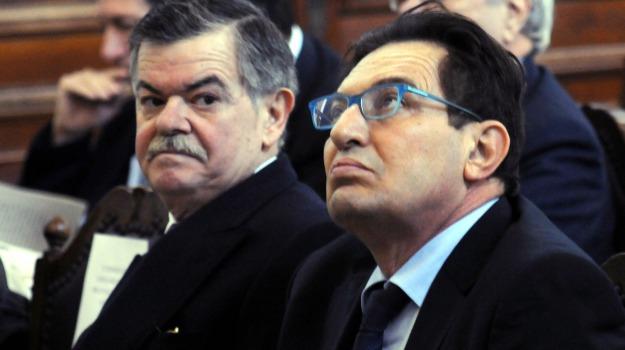 commissario, consulta, leggi, regione, sentenza, stato, Carmelo Aronica, Sicilia, Politica