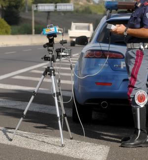Automobilisti indisciplinati a Caltanissetta: in 4 mesi elevate 360 multe