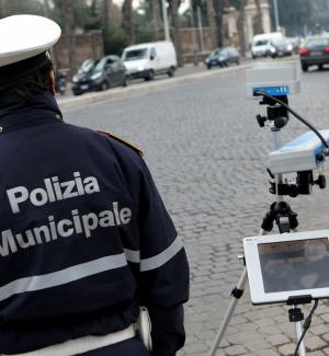 """Controlli con autovelox e """"scout"""" a Messina: ecco le strade interessate"""