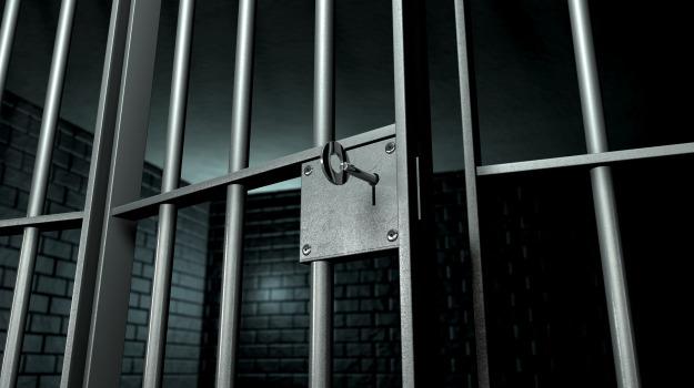 agenti aggrediti carcere, Catania, Cronaca