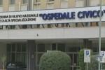 Incidente sul lavoro, 2 fratelli travolti da una gru a Castellammare: uno è morto, l'altro è grave