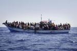 Alla deriva al largo della Libia Sos per oltre tremila profughi In arrivo 800 migranti a Palermo