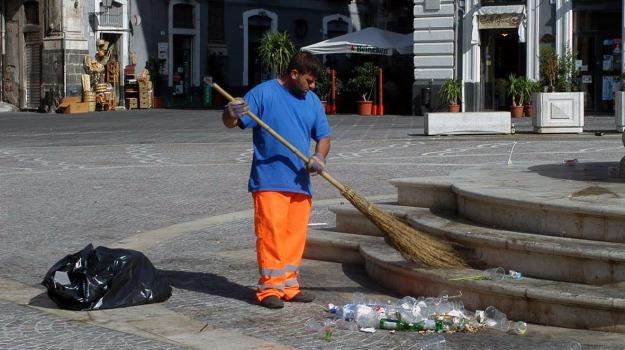 comune, Licenziamento, società, Palermo, Economia