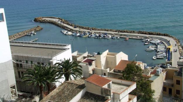 porto selinunte, Trapani, Economia
