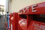 Lunghe file e un solo sportello aperto, all'ufficio postale scoppia la protesta