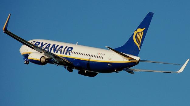 aereo, Aeroporto, ritardi, ryanair, volo, Sicilia, Cronaca