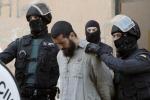 Terrorismo, l'Ue: oltre tremila gli europei arruolati nelle file dell'Isis. Scattano nuovi arresti
