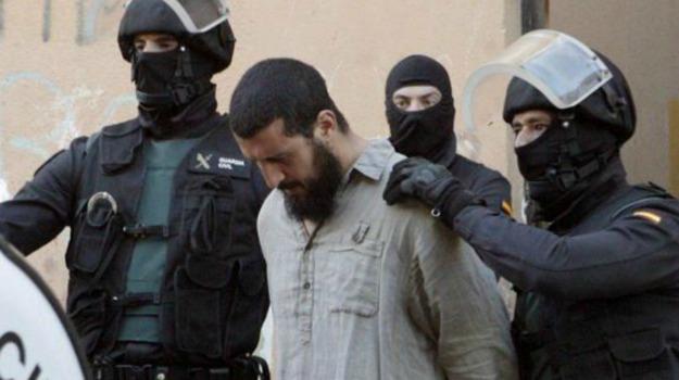 arresti, Isis, spagna, terrorimo, Sicilia, Mondo
