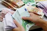 Trattiene per sè i versamenti di un cliente: bancario in manette a Modica