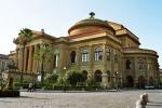 Teatro Massimo, tutti in rosso per la prova generale della prima