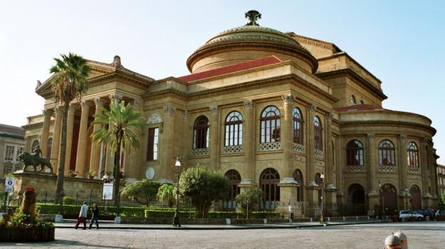 incidente, Palermo, teatro massimo, Palermo, Cronaca