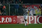 Super Tevez e Buffon, la Juventus vola e risponde alla Roma