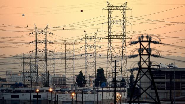 Black out elettrico da ore in alcune zone di palermo - Enel richiesta interramento linea ...