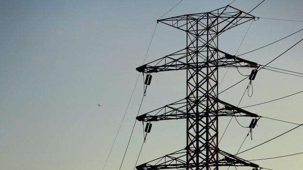 confindustria catania, linea paternò-priolo, rete elettrica, Siracusa, Cronaca
