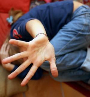 Pedofilia, abusi su un bimbo di 8 anni: arrestato un pensionato a Messina