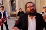 """Musica popolare, ecco il nuovo videoclip dei siciliani """"I Pupi di Sulfaro"""""""