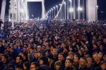 Ungheria, dopo le proteste il premier ritira la tassa su internet