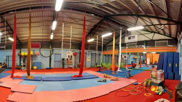 attività fisica, circo, lezioni, movimento, scuola, socializzazione, Palermo, Società