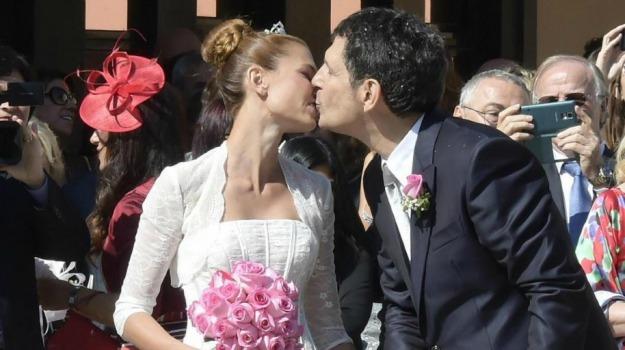 cerimonia, gossip, matrimonio, sposi, Carlotta Mantovan, Fabrizio Frizzi, Sicilia, Società