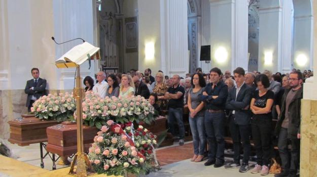 femminicidio, FIGLIA, funerali, madre, Agrigento, Cronaca