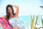 Shopping e corse sexy in spiaggia: le vacanze bollenti di Laura Torrisi in California - Foto