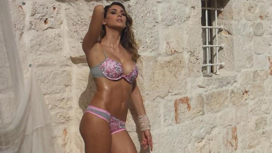 Alessia Marcuzzi Backstage Calendario.Melissa Satta Shooting Di Moda Da Capogiro Gli Scatti Sexy