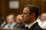 Pistorius condannato a cinque anni per l'omicidio della sua fidanzata: almeno 10 mesi in carcere