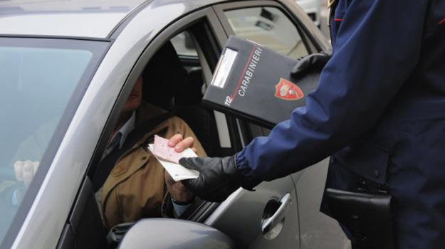 automobilisti, carta di circolazione, motorizzazione, patente, Sicilia, Cronaca
