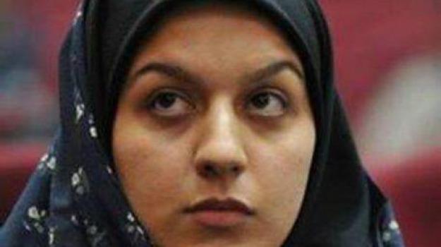 donna impiccata, impiccagione, Iran, lettera, Sicilia, Mondo