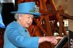 Manda il suo primo tweet, la Regina Elisabetta sbarca sui social