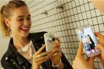 L'autoscatto conquista lo Zingarelli: selfie è la parola dell'anno