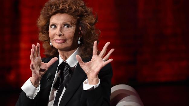 attrice, intervista, storia, trasmissione, Fabio Fazio, Sofia Loren, Sicilia, Società
