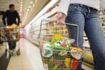 """Pesce, cibi biologici e senza glutine: cambia la spesa. Ecco chi sono i """"nuovi italiani"""""""