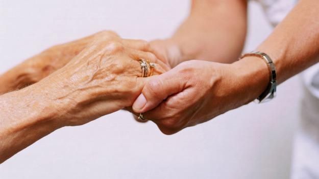anziani, assistenza domiciliare, distretto sanitario, Enna, Economia