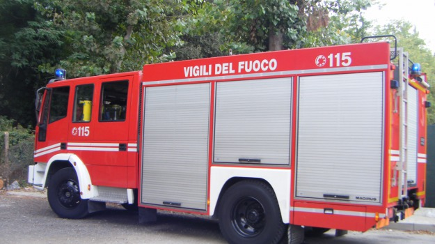 incendio, licata, villaggio agricolo, Agrigento, Cronaca