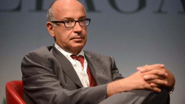 Matteo Renzi, Yoram Gutgeld, Sicilia, Economia