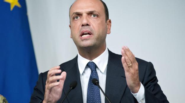 Incidenti, ministro, sicurezza, strada, Angelino Alfano, Sicilia, Politica