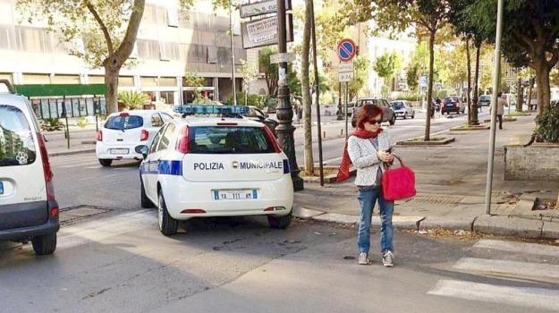 divieto, multe, sosta, TRAFFICO, vigili, Palermo, Cronaca