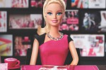Anche Barbie è in crisi: crollano le vendite. Le foto di una storia lunga 55 anni