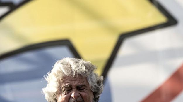 circo massimo, m5s, MOVIMENTO 5 STELLE, Beppe Grillo, Luigi Di Maio, Roberta Lombardi, Sicilia, Politica