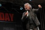 Vigili urbani assenti a Capodanno, Grillo li difende ed è polemica